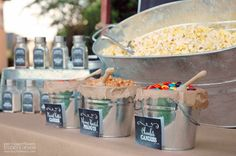 These 15 BBQ Party Ideas will take your grilling game to the next level! These fun summer BBQ ideas will make a great BBQ even better! Bbq Party, Food Trucks, Summer Bbq, Summer Parties, Wedding Popcorn Bar, Candy Bar At Wedding, Wedding Favours, Tortellini, Bar Fancy