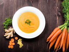 Möhren-Ingwer-Suppe nach einem Rezept von Cornelia Poletto   http://eatsmarter.de/blogs/cornelia-polettos-kochschule/moehren-ingwer-suppe