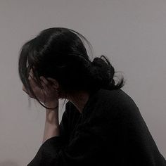 Teenage Girl Photography, Girl Photography Poses, Korean Aesthetic, Bad Girl Aesthetic, Cool Girl Pictures, Girl Photos, Urbane Fotografie, Grunge Photography, Shadow Photography