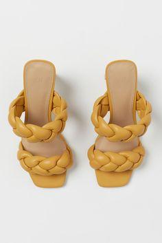Mules - Senfgelb - Ladies | H&M DE 3 Mustard Yellow, Neue Trends, Open Toe, Fashion Online, Sandals, Heels, Leather, Closet, La Mode