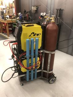 Welding Crafts, Diy Welding, Welding Table, Welding Projects, Garage Tools, Garage Workshop, Welding Cart Plans, Fabrication Tools, Tig Welder