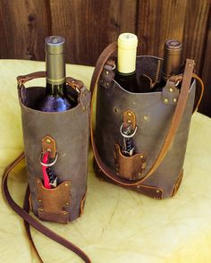 Wine Purse With Spout Wine Purse, Wine Tote Bag, Wine Bags, Color Secundario, Wine Carrier, Wine Bottle Holders, Bottle Bag, Leather Projects, Custom Leather