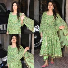Janhvi Kapoor - Looks You Can Own Indian Fashion Salwar, Pakistani Fashion Casual, Pakistani Dress Design, Indian Fancy Dress, Dress Indian Style, Indian Outfits, Simple Kurta Designs, Indian Designer Suits, Kurti Designs Party Wear
