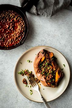 Smoky Lentil Stuffed Sweet Potatoes | Dishing Up the Dirt | Bloglovin'