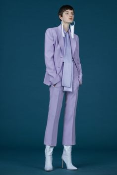 Andrew Gn Fall 2019 Ready-to-Wear Fashion Show - Vogue Purple Fashion, Suit Fashion, Look Fashion, Fashion Outfits, Womens Fashion, Fashion Trends, Fashion 2018, Cheap Fashion, Purple Outfits