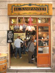 Dining in El Born Barcelona: El Xampanyet