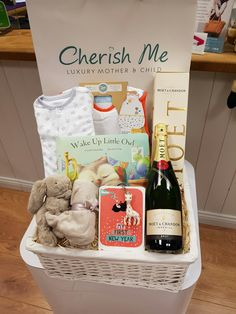 Looking for a very special baby gift , we have lots of gifts online and Instore and if you have any special requirements we are always happy to help! Baby Shower Hamper, Baby Gift Hampers, Unique Baby Gifts, Personalized Baby Gifts, Baby Presents, Baby Comforter, Baby Swaddle, Online Gifts, Little Babies