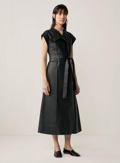 COS | Autumn Winter 2020 Lookbook Estilo Fashion, Fashion Hub, Fall Fashion Trends, Office Fashion, Fashion Brand, Runway Fashion, Autumn Fashion, Fashion Outfits, Fashion Weeks