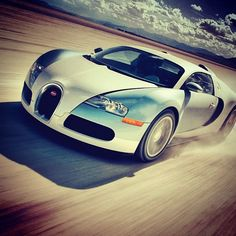 Amazing pic for the Beautiful Veyron!