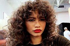 zendaya is so beautiful Zendaya Coleman, Pretty People, Beautiful People, Dreads, Curly Hair Styles, Natural Hair Styles, Zendaya Style, Ethnic Hairstyles, Queen