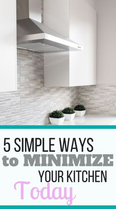 An uncluttered kitchen promotes peace and efficiency, but where should you start? Here are 5 simple ways to minimize your kitchen today! Minimalist Kitchen, Minimalist Decor, Declutter Your Life, House Smells, Organizing Your Home, Kitchen Organization, Organization Ideas, Spring Cleaning, Simple Way