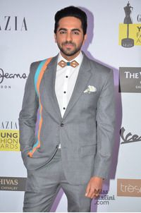 Grazia Young Fashion Awards 2016 go glamorous with stylish Bollywood stars - VOOMPLA Bollywood Stars, Bollywood News, Actors Images, Ranveer Singh, Man Bun, Young Fashion, Latest Pics, Handsome Boys, Dapper
