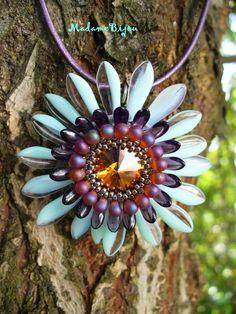 Gerbera Pendant with dagger and drop beads - Madame Bijou