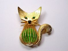 Vintage Cat Brooch/Pin Green Rivoli Rhinestone Belly