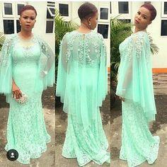 #asoebi #asoebispecial #speciallovers @tariwills African Attire, African Wear, African Fashion Dresses, African Dress, African Lace Styles, African Style, Ankara Styles, Lace Dress Styles, Nigerian Weddings