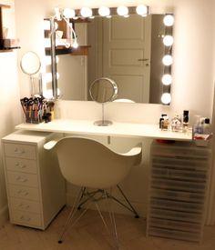 Studio makeup vanity: vanity, dressing table, makeup station www. Vanity Table With Lights, Dressing Table Design, Dressing Tables, Make Up Organizer, Bedroom Desk, Bedroom Inspo, Vanity Set, Girls Vanity, Vanity Ideas