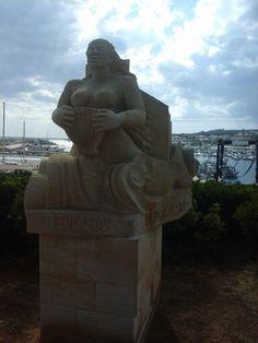 Leucasia,  la Vergine del faro. .....azz non se la trombava proprio nessuno!