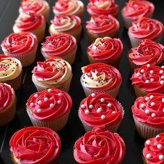 Seeing red! is by @grissbakeshop is stunning.  #cupcakes #cupcakery #cakes #bakelove #baker #cakelove #cupcaketime #red #instabake #instabaker #cupcake #cake #instacake #cakespiration #cupcakelovers #redcupcakes #cupcakesofinstagram #cupcakelove #cakedecorator #cupcakedecorating #summer #bakingisfun #bakingtime #bakerslife #bakedgoods #cakedesigner #cakedecorating #summerparty #cupcakedesign Red Cupcakes, S Cup, Amazing Cupcakes, Baked Goods, Cake Decorating, Beverages, Baking, Birthday, Desserts
