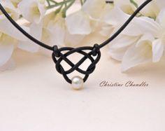 Di perle e gioielli nero di cuoio & collana di ChristineChandler