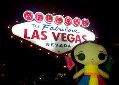 ¡María nos comparte esta foto de cuando fue a Las Vegas!  #Viaje #Diseño #ArtesaniasMexicanas #kawaii #MariasINC #VivaLasVegas