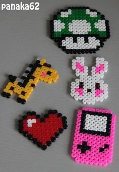 Perles à repasser – Hama Beads You are in the right place about bead crafts jewelry Here we offer you the most beautiful pictures about the bead crafts decoration you are looking for. When you examine the Perles à repasser – Hama Beads part of the[. Hama Beads Design, Diy Perler Beads, Hama Beads Patterns, Perler Bead Art, Beading Patterns, Art Patterns, Mosaic Patterns, Bracelet Patterns, Embroidery Patterns
