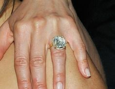 JENNIFER ANISTON's engagement ring from Justin Theroux | Photo Credit: Getty