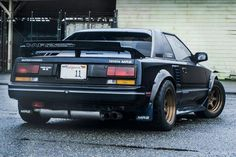 First generation MR2's are a bit of a rarity here on Stance Is Everything.   A few made their way intoMR-2 Theme Tuesday, and this one rally crossing got it's own post, but typically they don't ...