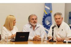 Ya está abierta la inscripción a la carrera de Medicina en Comodoro Rivadavia http://www.ambitosur.com.ar/ya-esta-abierta-la-inscripcion-a-la-carrera-de-medicina-en-comodoro-rivadavia/ La nueva oferta académica, estratégica para la región y la más austral del país en la disciplina, fue gestionada por el gobernador Martín Buzzi.      Desde hoy 6 de enero hasta el 1 de febrero está habilitada la inscripción on line en la página web de la Universidad Nacional de la Pa