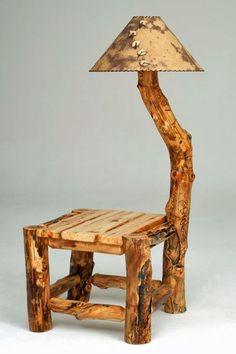 Log wood end table with lamp