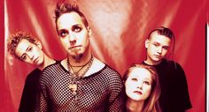 Coal Chamber Reunion Sticks  http://www.smelive.com/news/music/coal-chamber-reunion-sticks/