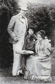 Oscar Wilde and Constance (with Cyril? On May Oscar married Constance Lloyd. Constance was well-read, spoke several European languages and had an outspoken, independent mind. Oscar Wilde, Book Writer, Book Authors, Foto Poster, Writers And Poets, Portraits, Historian, Charles Bukowski, Old Photos