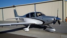 Cirrus Sr22, Small Airplanes, Airplane For Sale, Engine Pistons, Mans World, Gliders, Jumpers, Fighter Jets, Aircraft