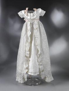 NOTE These are not miniature christening gowns and layette sets. They are real ones. Ателье изысканных манер Екатерины Герасимовой - Восхищение старинной кукле