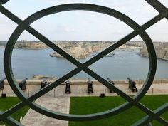 Sightseeing Valletta: View from Upper Barrakka Gardens Urlaub auf Malta: Valletta und Sliema – Tuttis Welt