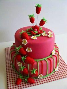 Summer Picnic Strawberries Cake