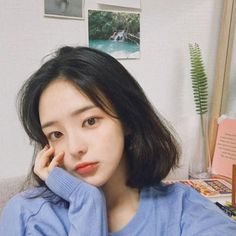 helping those rp'ers who needs to find a ulzzang to port ; Ulzzang Short Hair, Korean Short Hair, Ulzzang Korean Girl, Cute Korean Girl, Asian Girl, Ulzzang Hairstyle, Hwa Min, Uzzlang Girl, Girl Short Hair