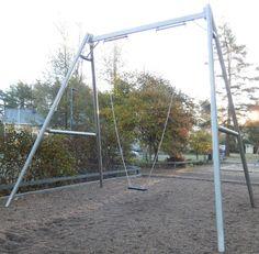 Otetaan hiekkalelut mukaan!: Keinupuiston leikkipaikka