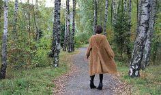"""MES FAVORIS TRICOT-CROCHET: Modèle tricot gratuit : Le manteau """"Coat with a twist"""""""