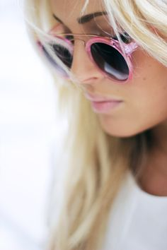 Pink shades, lipstick, eyebrows, hair!