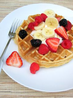 a hint of honey: Whole Wheat Belgian Waffles