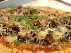 Mushroom, Onion & Basil Pizza : Ellie's thin-crust pizza is delicious and surprisingly good for you.
