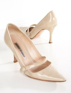 Sell what's in your closet today to buy what you want to wear tomorrow. Crazy Shoes, Me Too Shoes, Manolo Blahnik Heels, Fashion Heels, Women's Fashion, Fashion Tips, Beautiful Shoes, Designer Shoes, Shoe Boots