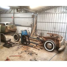 Aaron Bray 51 HOLDEN Custom Project - Custom Car ChronicleCustom Car Chronicle Car Pics, Car Pictures, Custom Metal Fabrication, Welding Projects, Sled, Range Rover, Old Cars, Custom Cars, Cars And Motorcycles