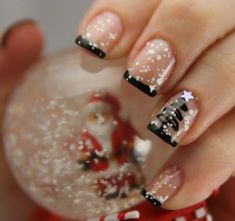 15 Festive Fingernails for the Christmas Season - 1. Ruby Red, Golden Outlines | Guff