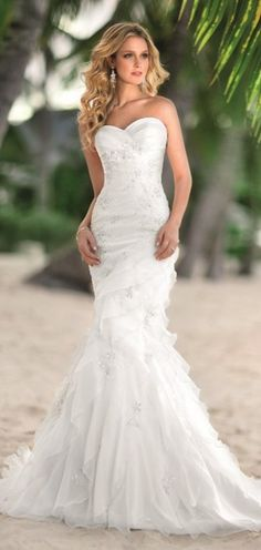 lovely beach wedding dress