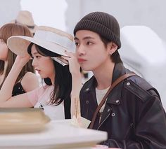 Read from the story V(BTS)💞💞💞Jisoo(Blackpink) by trangdhae with 45 reads. Foto Bts, Foto Jungkook, Bts Taehyung, Boy Idols, Kpop Couples, Blackpink And Bts, Together Forever, Blackpink Jisoo, Best Couple