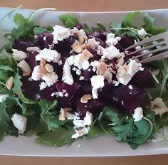 Salát z pečené červené řepy Cabbage, Paleo, Vegetables, Food, Essen, Cabbages, Beach Wrap, Vegetable Recipes, Meals