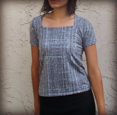 FREE SEWING PATTERN: Raglan Top for Women - On The Cutting Floor