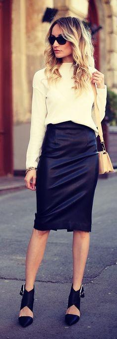 Postolatieva Black And White Basics Chic Outfit Idea
