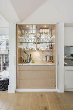 Home Bar Decor, Home Decor Kitchen, Kitchen Interior, Kitchen Showroom, Kitchen Art, Kitchen Backsplash, Home Bar Cabinet, Best Kitchen Designs, Modern Home Bar Designs